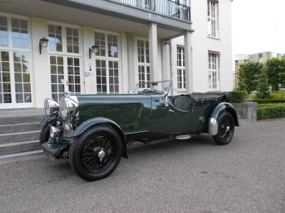1930-lagonda-2-litre-liter-tourer-t7-body-green-driving.jpg