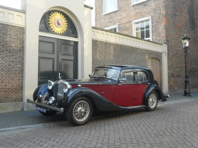 1936-mg-sa-saloon-black-red-jaguar.JPG