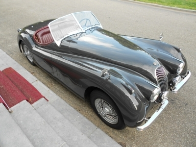 1953-jaguar-xk120-ots-cabrio-grey-red-1961.JPG