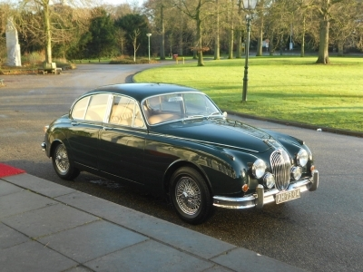1961-jaguar-3-8-automatic-mk2-mkii-british-racing-green-beige-lhd-sport-car.JPG