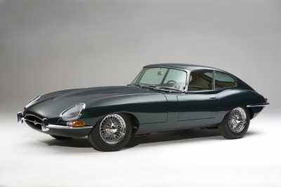 1961-jaguar-e-type-xke-fhc-coupe-flat-floor-opalescent-dark-green-beige-original-pumpkin-orange-01_2.JPG