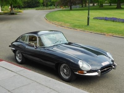 1962-jaguar-e-type-3-8-series-1-dark-blue-beige-1961.JPG