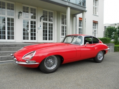 1963-jaguar-e-type-3-8-series-1-fhc-lhd-red-black-classic.JPG