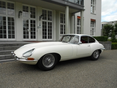 1963-jaguar-e-type-xke-3-8-fhc-coupe-series-1-white-cream-red-lhd-automobile.JPG