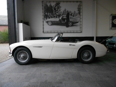 1964-austin-healey-3000-mkiii-bj8-lhd-british.JPG