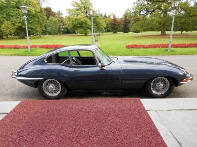 1964-jaguar-e-type-3-8-fhc-blue-1961.JPG
