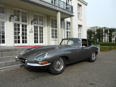 1964-jaguar-e-type-3-8-series-1-lhd-gunmetal-grey-red-fhc-1961.JPG