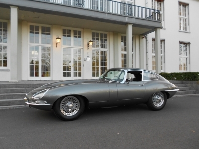 1964-jaguar-e-type-xke-3-8-fhc-series-1-opalescent-gunmetal-grey-black-lhd-coupe-1961.jpg