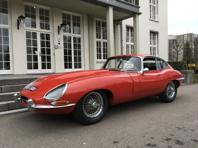 1964-jaguar-e-type-xke-4.2-fhc-series-1-origineel-nederlands-original-dutch-coupe-red-black-01.JPG