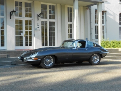 1965-jaguar-e-type-xke-series-1-fhc-gunmetal-grey-brown-railroad.jpg