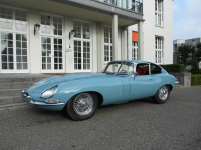 1966-jaguar-e-type-fhc-cotswold-blue-red-4-2-series-1-lhd-automobile.JPG