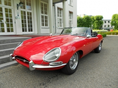 1967-jaguar-e-type-4-2-ots-red-series-1-cabrio-jaguar.JPG