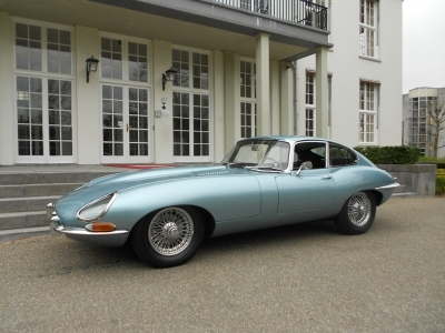 1967-jaguar-e-type-coupe-xke-4-2-fhc-opalescent-silver-blue-dark-blue-lhd-cars.JPG