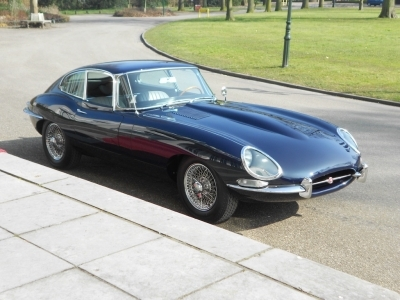 1967-jaguar-e-type-xke-4-2-series-1-fhc-lhd-dark-blue-grey-1961.jpg