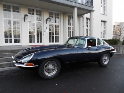1968-jaguar-e-type-xke-4-2-series-1-fhc-dark-blue-tan-brown-coupe-jaguar.jpg